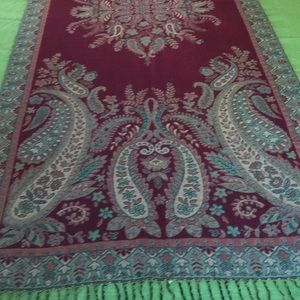 """Lovely red and green wrap 27 inches wide 67"""" long"""